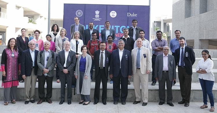 The full group of IIT Gandhinagar leadership and the visiting Duke, RTI delegation.
